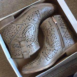 Shoes - Cow boy boots